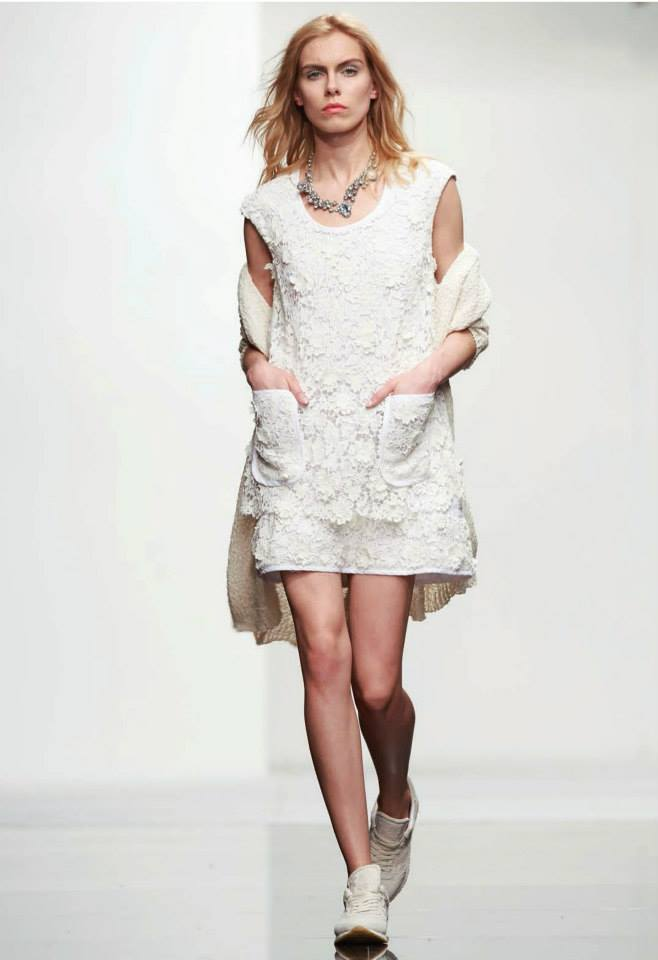 Twin Set - Vestido blonda blanco