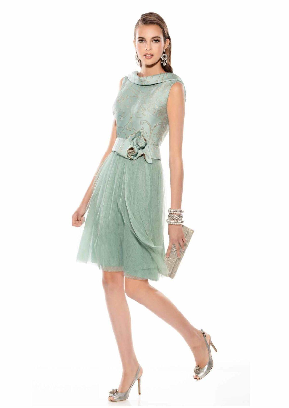 vestido corto de coctel azul madre de novia